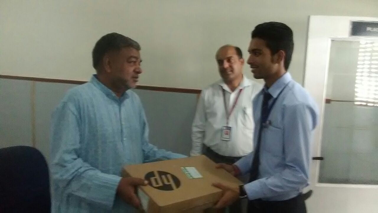 Free Laptop distribution to 